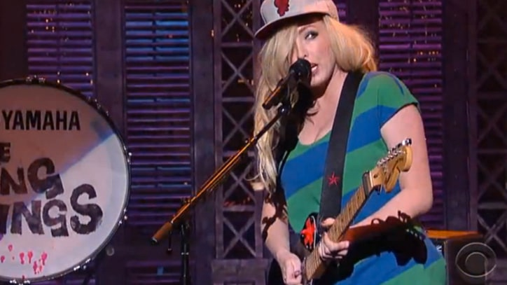 The Ting Tings 'Hang It Up' on 'Letterman'
