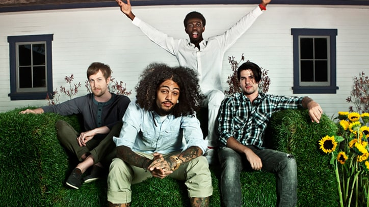 Premiere: Gym Class Heroes Play Acoustic 'Fighter'