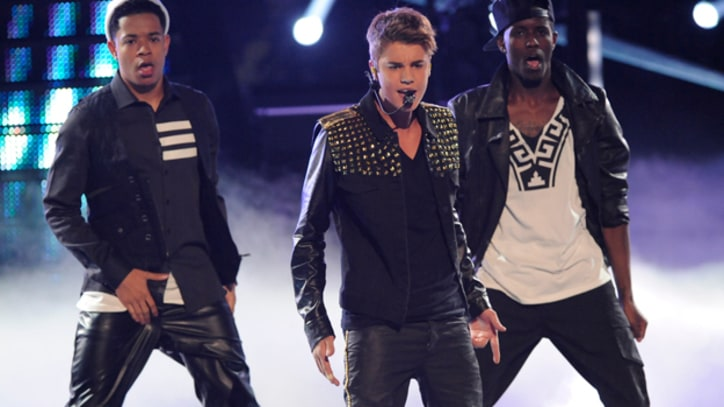 Justin Bieber Performs 'Boyfriend' on 'The Voice'
