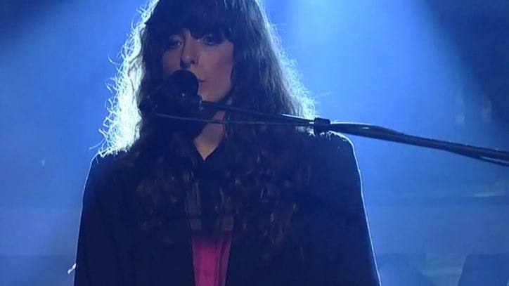 Beach House Play 'Myth' on 'Letterman'