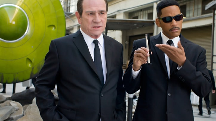Travers: Josh Brolin Is Amazing in 'Men in Black 3'