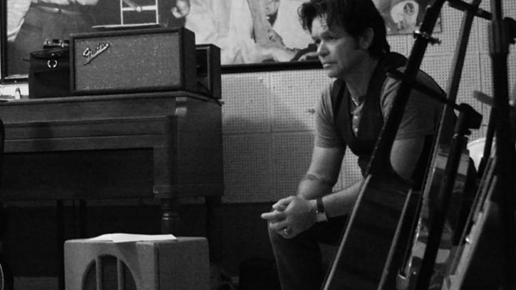 Premiere: John Mellencamp, 'No One Cares About Me'