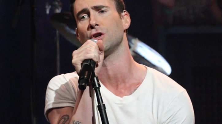Maroon 5 Drop by 'Fallon' for 'Payphone' Performance