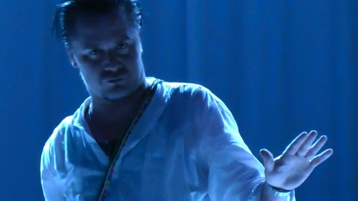 Faith No More Cover 'Ni**as in Paris'