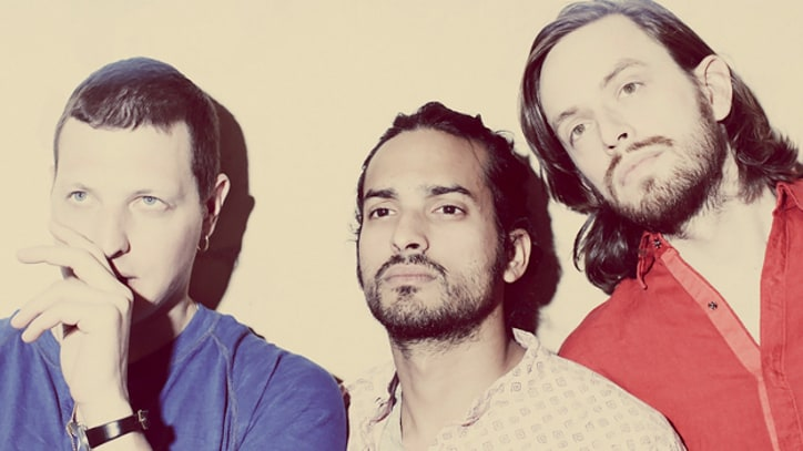 Song Premiere: Yeasayer, 'No Bones'