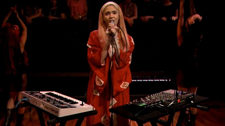 Grimes Plays Low-Key 'Genesis' on 'Fallon'