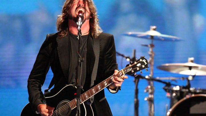 Foo Fighters Strip Down With Acoustic Set at DNC