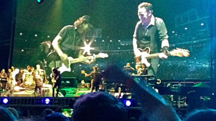 Bruce Springsteen Performs 'Atlantic City' With Eddie Vedder