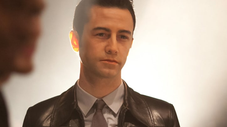 Peter Travers: Joseph Gordon-Levitt and Bruce Willis Shine in Entertaining 'Looper'