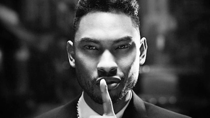 Miguel Chases 'The Thrill' – Premiere