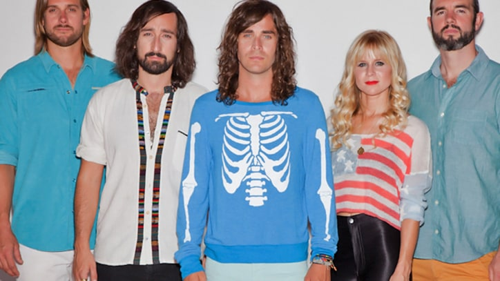 Youngblood Hawke Dive Below the Surface in 'We Come Running' – Premiere