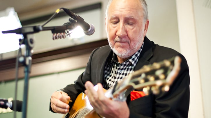 Pete Townshend Goes Acoustic on 'Won't Get Fooled Again'
