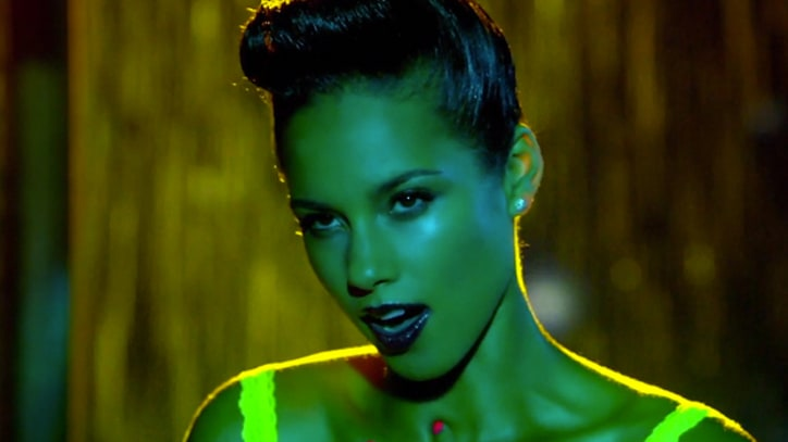 Alicia Keys Cleans House in 'Girl On Fire'