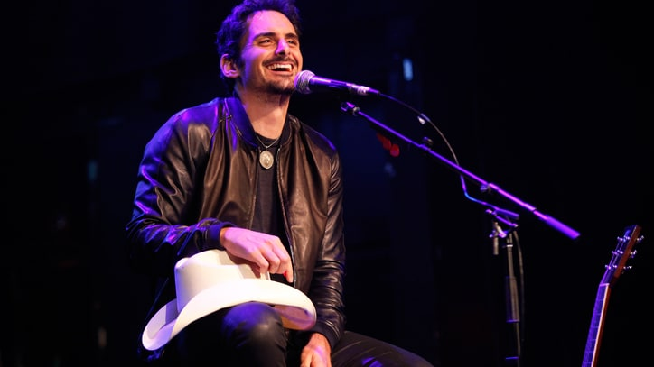 Brad Paisley Plays Producer and Actor in Midst of World Tour