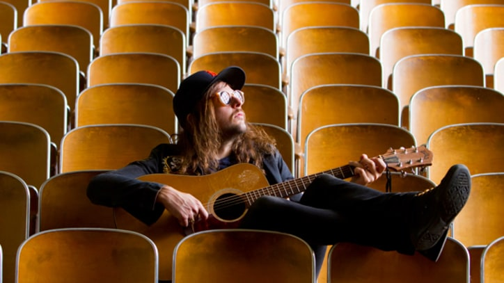 King Tuff Shakes His Moneymaker in 'Keep on Movin'' – Premiere