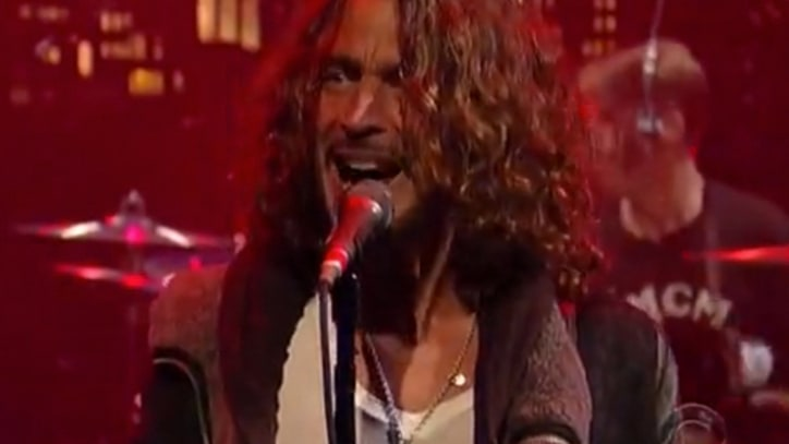 Soundgarden Muscle Through Single on 'Letterman'