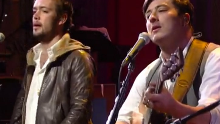 Mumford & Sons Play Rousing 'I Will Wait' on 'Letterman'