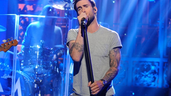 Maroon 5 Get in the Groove for 'One More Night' on 'SNL'
