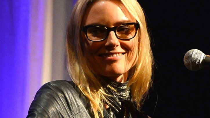 Aimee Mann Duets With James Mercer on 'Kimmel'