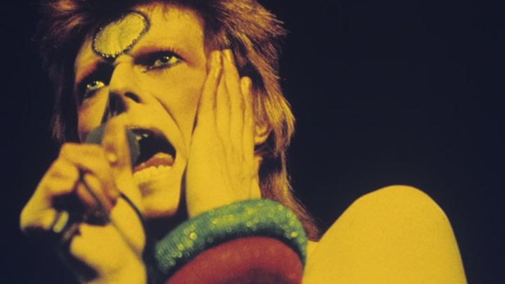 Flashback: Ziggy Stardust Commits 'Rock and Roll Suicide' at Final Gig