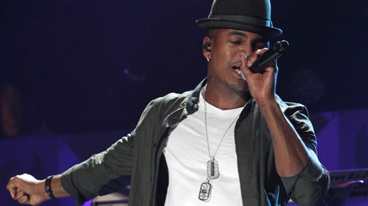 Ne-Yo Brings the Moves to 'SNL' With 'Let Me Love You'