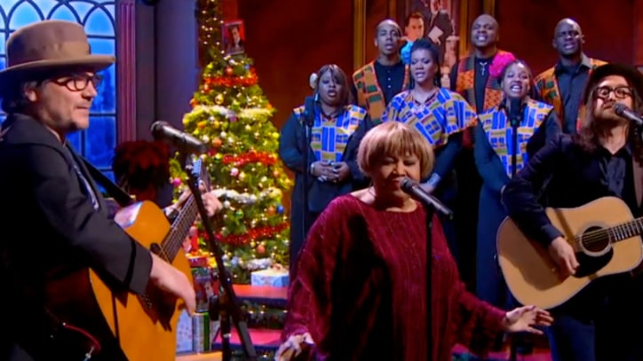 Jeff Tweedy, Mavis Staples and Sean Lennon Sing 'Happy Xmas' on 'Colbert'
