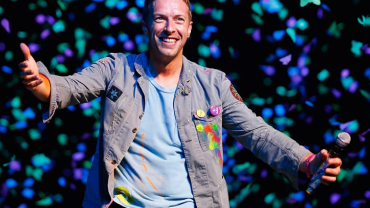 Chris Martin Helps Jay-Z 'Run This Town' on New Year's Eve