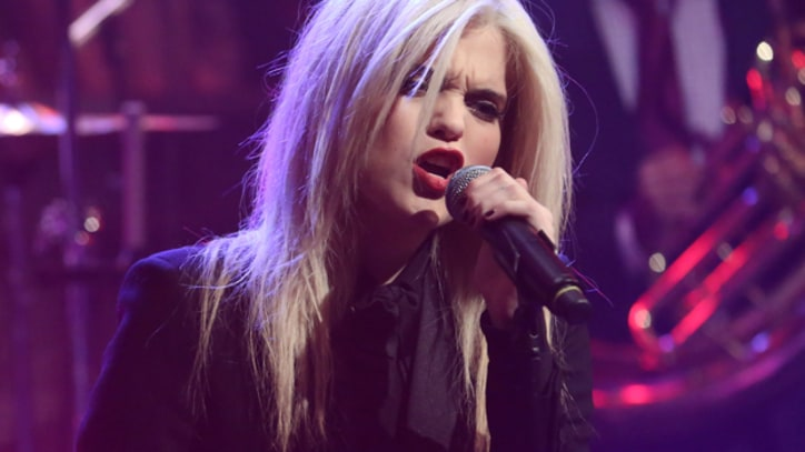 Sky Ferreira Makes TV Debut on 'Fallon'