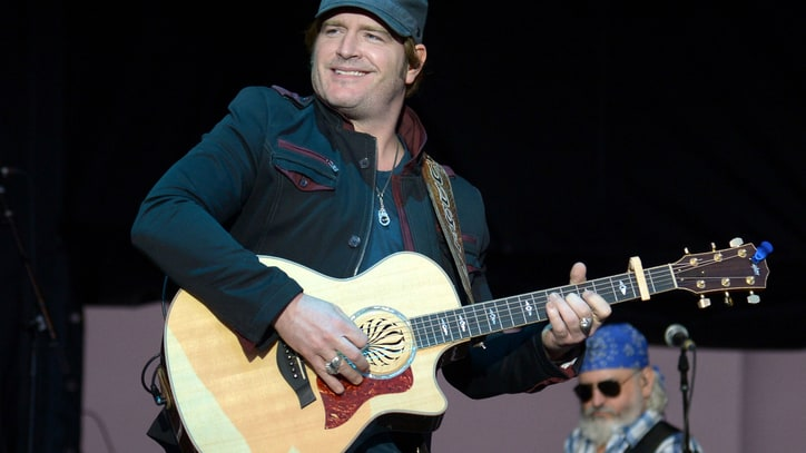 Jerrod Niemann Addresses Critics, Talks Pitbull Collaboration