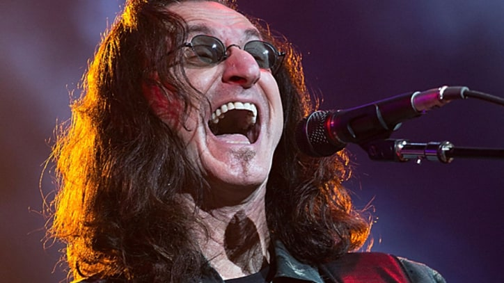 Rush's Geddy Lee to Help Salute Canada on 'How I Met Your Mother'