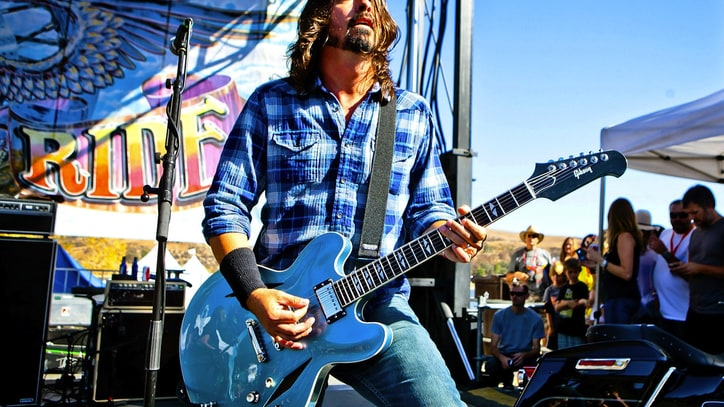 Foo Fighters Agree to Play Unscheduled Crowdsourced Show