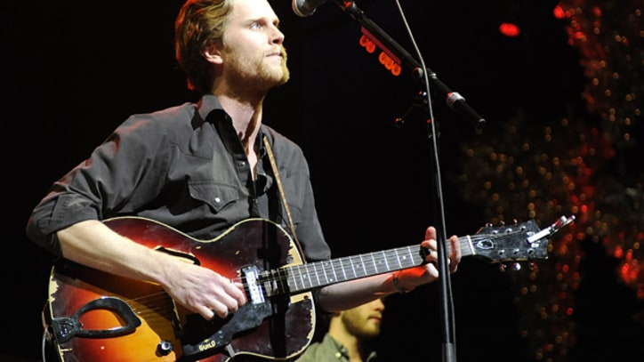 The Lumineers Hit 'SNL' With 'Ho Hey'