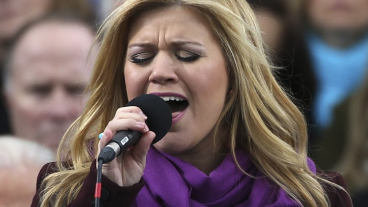 Kelly Clarkson Shakes Off Nerves at Inauguration