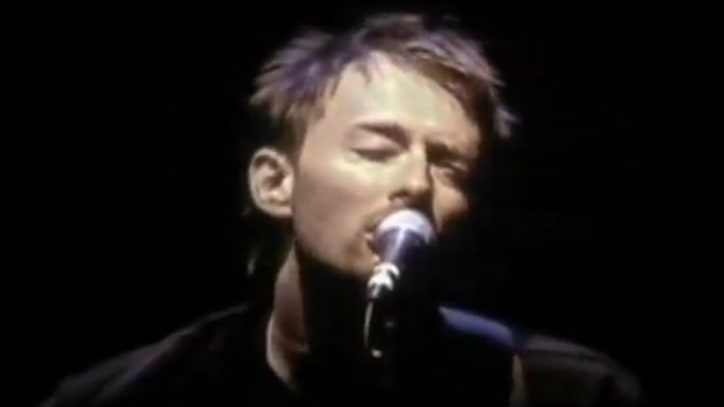 Flashback: Thom Yorke Unplugs at 2002 Bridge School Benefit