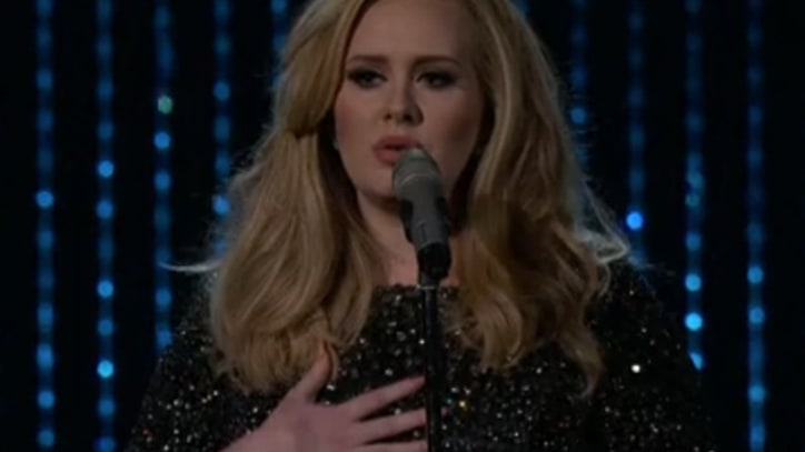 Adele Turns Up Power at Oscars With 'Skyfall'