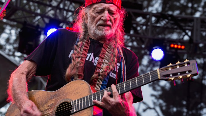 Willie Nelson's Fight to Release 'Red Headed Stranger' - Book Excerpt