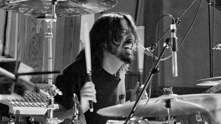 Dave Grohl's Sound City Players Pound Out 'Mantra' in the Studio - Premiere
