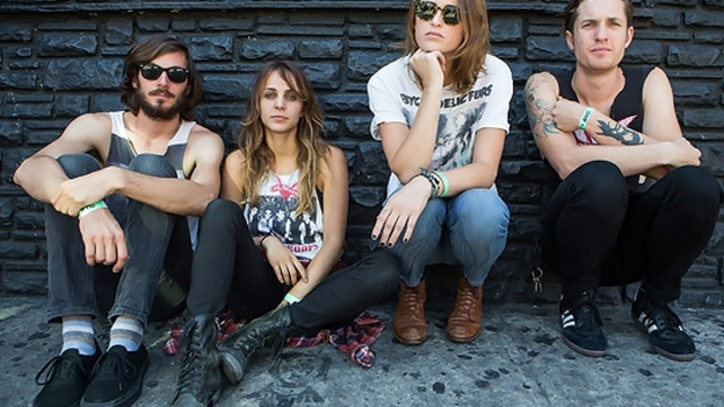 Dead Sara Duke It Out in 'Lemon Scent' - Premiere