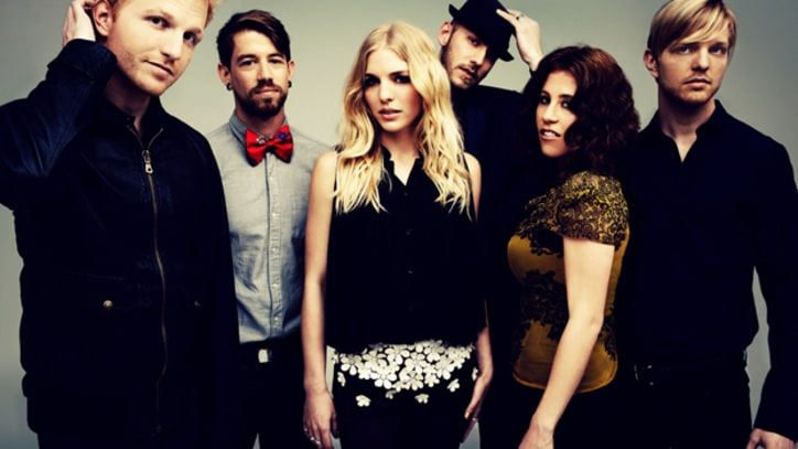 Delta Rae Pair With Fleetwood Mac's Lindsey Buckingham in 'If I Loved You' - Premiere