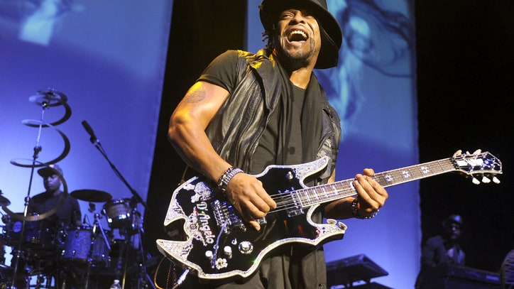 D'Angelo's New Album Will Arrive This Year, Manager Says