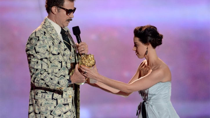 Aubrey Plaza Booted From MTV Movie Awards After Stage-Crashing Will Ferrell