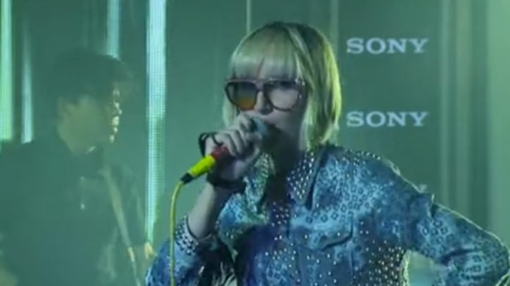 Yeah Yeah Yeahs Buzz Through 'Mosquito' on 'Kimmel'