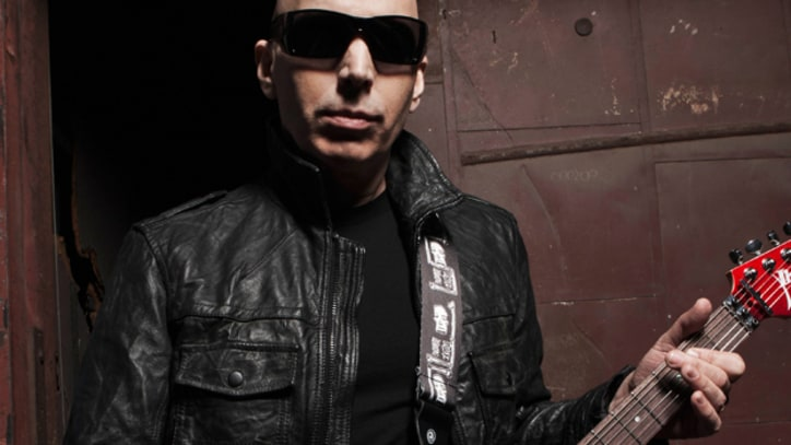 Joe Satriani Prepares for the Heat in 'A Door Into Summer' - Premiere