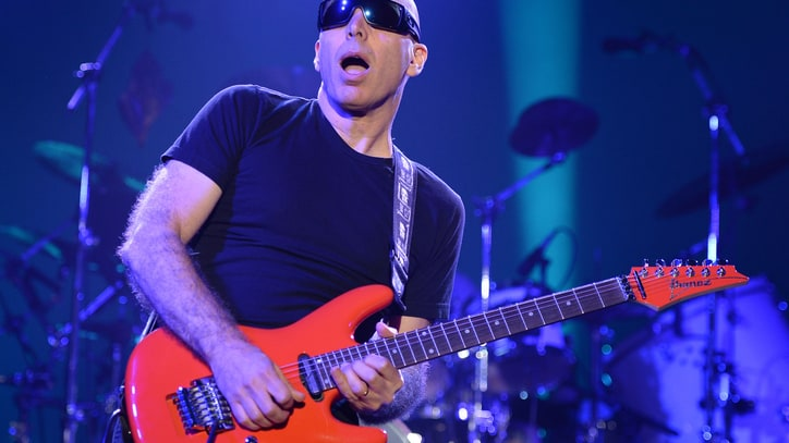 Joe Satriani Reflects on 30 Years of Mind-Bending Guitar Daredevilry