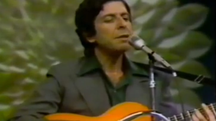 Flashback: Leonard Cohen and Judy Collins Perform 'Suzanne'