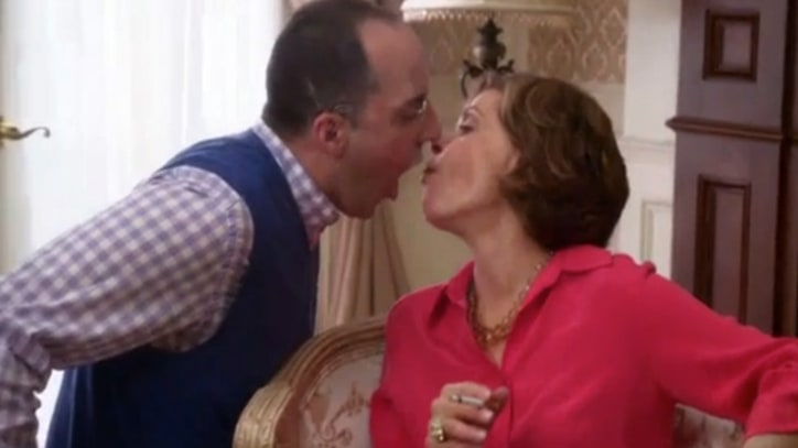'Arrested Development' Preview: Buster and Lucille Clear the Air