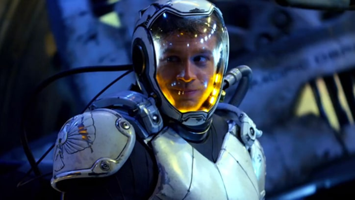 'Pacific Rim' Trailer Packs in Alien Mayhem