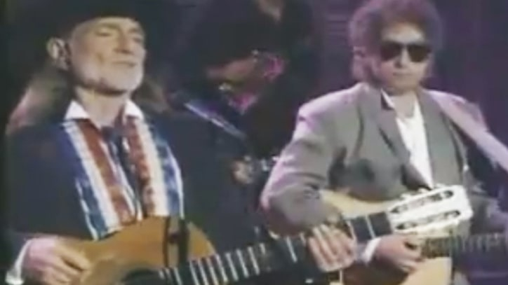 Flashback: Bob Dylan and Willie Nelson Sing 'Pancho and Lefty'