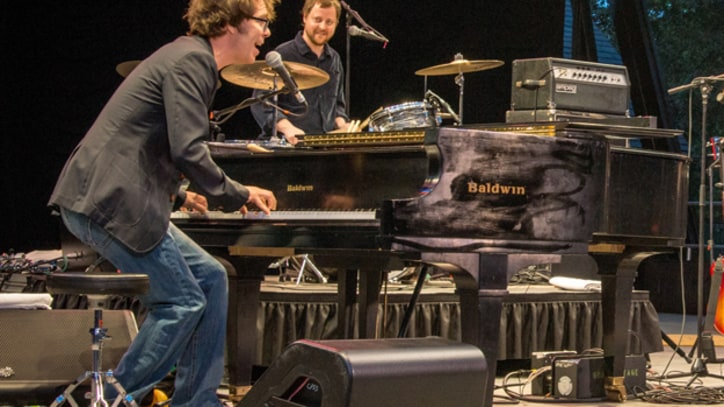 Ben Folds Five Play 'Brick' in Concert on Reunion Tour