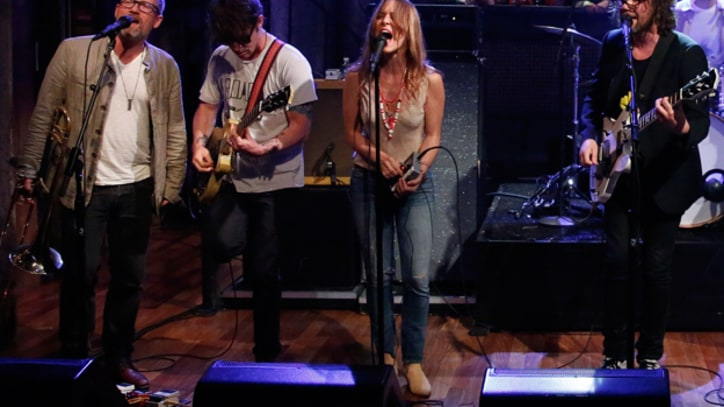 Broken Social Scene and Feist Reunite on 'Fallon'